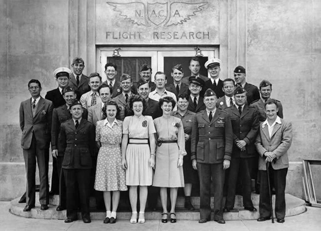 Agencija NACA – Veljko Gašič (prvi s lijeva u gornjem redu)
