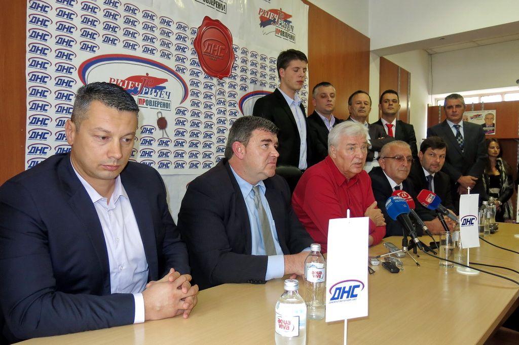 Nenad Nešić (lijevo na fotografiji)