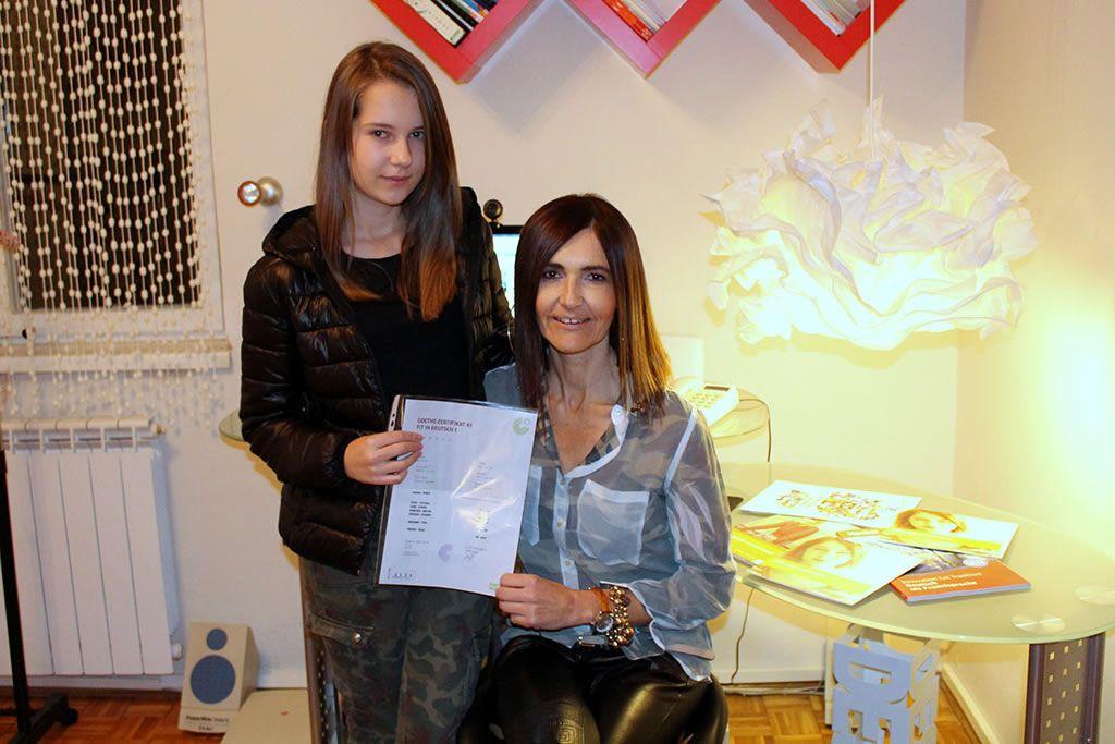 Tamara Tomović sa svojom učenicom Anđelom Deretić (FOTO: Moja Hercegovina)