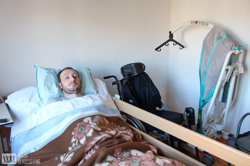 Danijel u svojoj sobi u Trebinju (FOTO: Moja Hercegovina)
