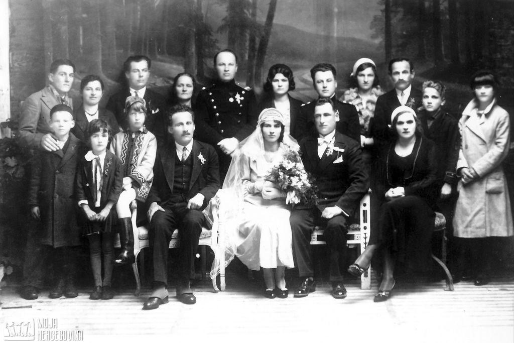 Milka i Lazar Kukurić na svom vjenčanju 30. juna 1919. godine, Aleksina međa (FOTO: Moja Hercegovina)