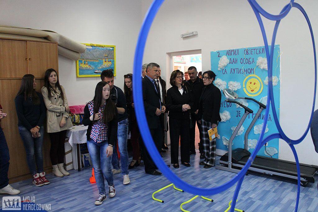 Kormak u obilasku Centra za djecu s posebnim potrebama u Gacku (FOTO: Moja Hercegovina)