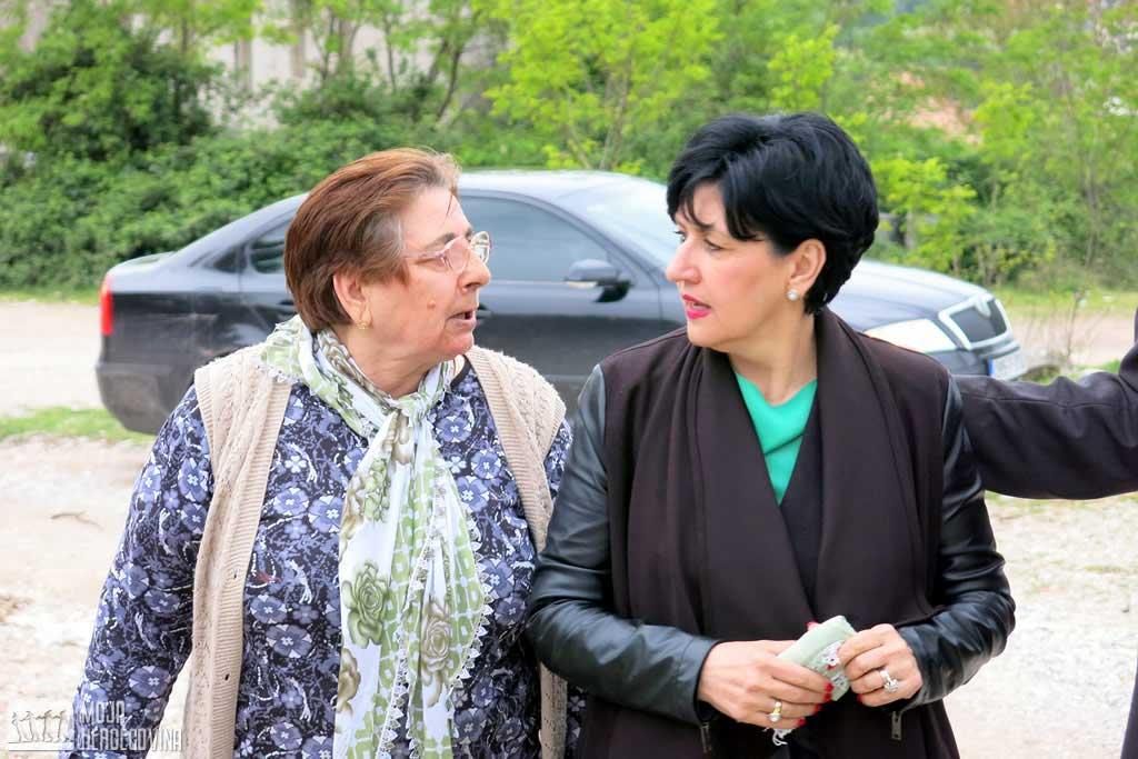 Borovac u posjeti jedinoj Bošnjakinji povratnici u Bileći (Foto: Moja Hercegovina)