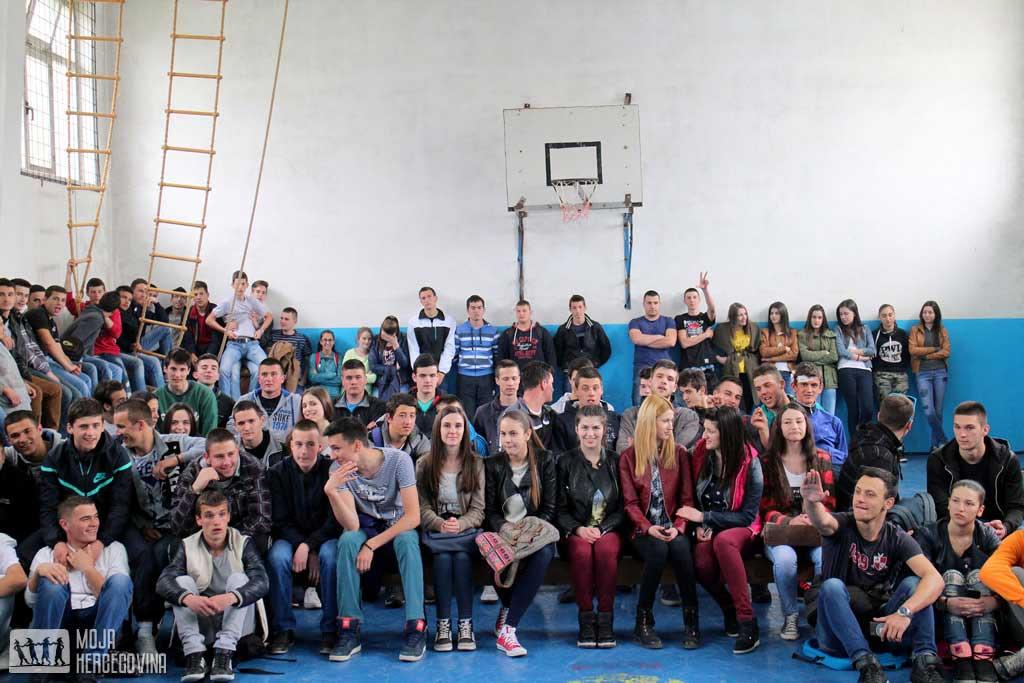 Srednjoškolci Gacka na jednom od predavanja (FOTO: Moja Hercegovina)