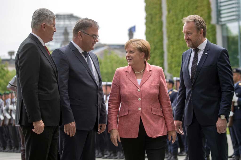 Angela Merkel sa članovima Predsjedništva BiH (Foto: EPA)
