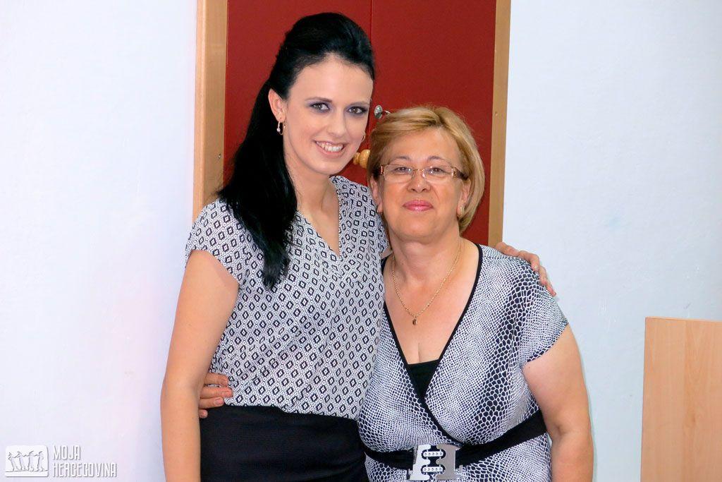 Oksana sa majkom (Foto: Moja Hercegovina)