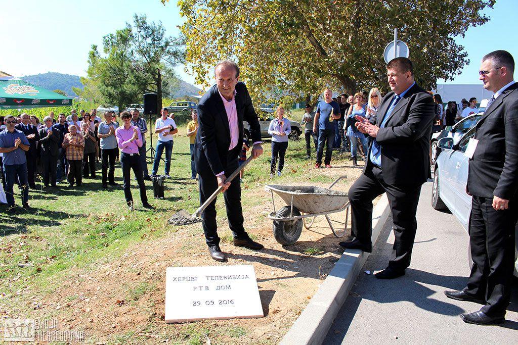 Čedomir Papović i Slavko Vučurević položili kamen temeljac (FOTO: Moja Hercegovina)