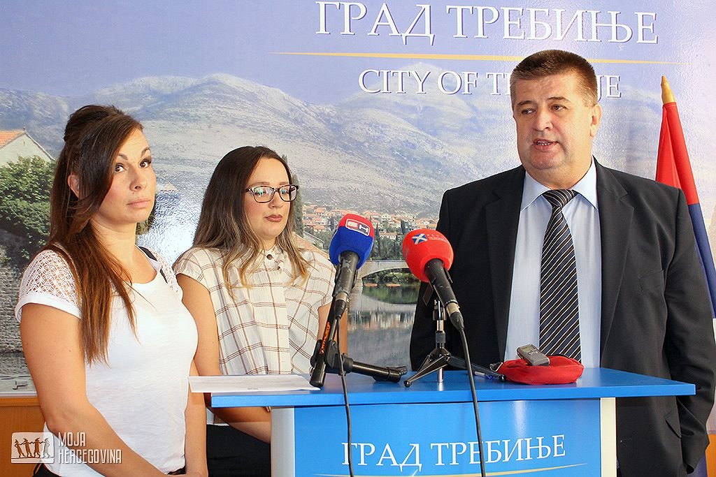 Tanja Kenjić, Jelena Bošković i Slavko Vučurević (Foto: Moja Hercegovina)