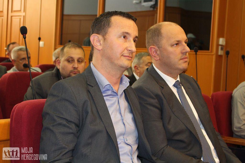 Zamjenik gradonačelnika Mirko Ćurić i gradonačelnik Luka Petrović (Foto: Moja Hercegovina)