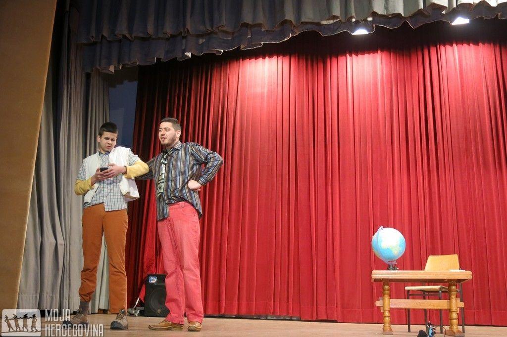 Stefan Samardžić i Slobodan Janjić izvode predstavu