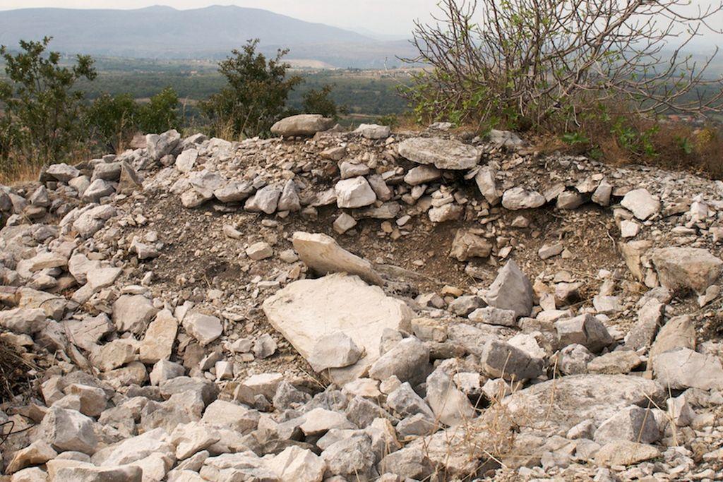 Primjer uništene gomile (FOTO: Hercegovački arheološki portal)