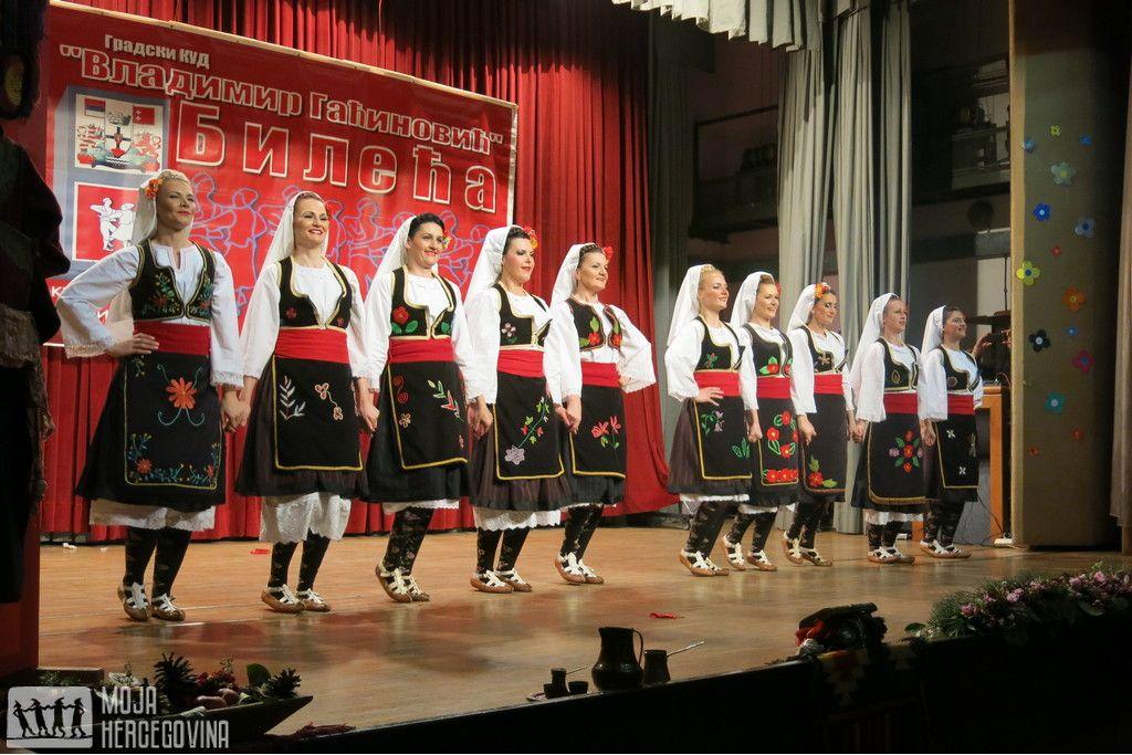 """Seniorski ansambl GKUD-a """"Vladimir Gaćinović"""" (FOTO: Moja Hercegovina)"""
